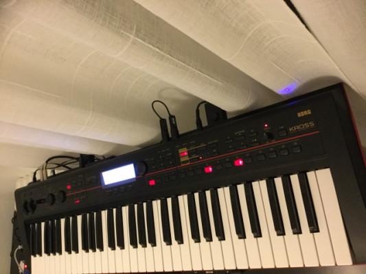 Korg kross 1 como nuevo. 5 octavas