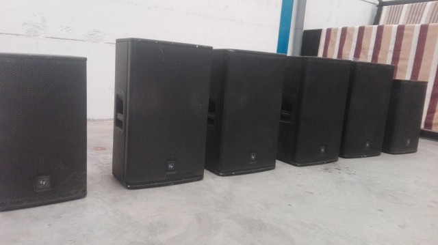 Lote de monitores ELECTROVOICE ELX115 y ELX112