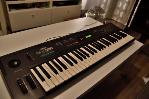Yamaha SY-35