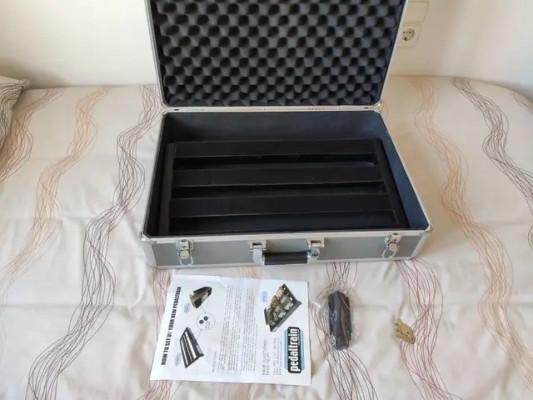 Pedalera Pedaltrain-1 con flight case