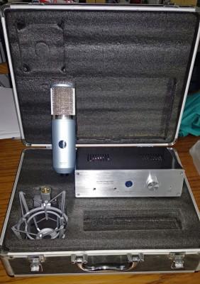 Microfono AKG Perception P820 a valvula