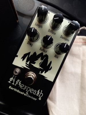 Earth quaker devices afterneath v2