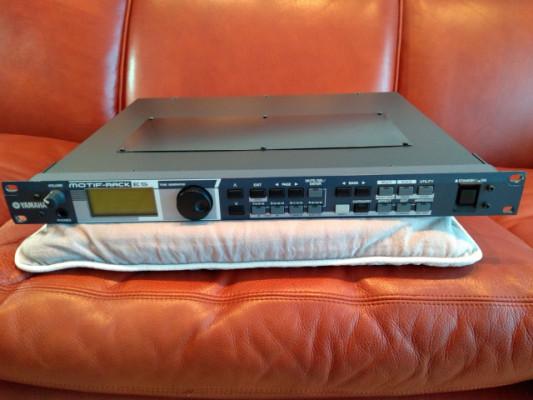 Yamaha Motif ES Rack más tarjeta PLG 150DX