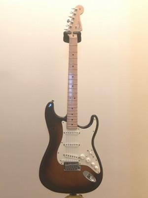 Fender Stratocaster VG Roland