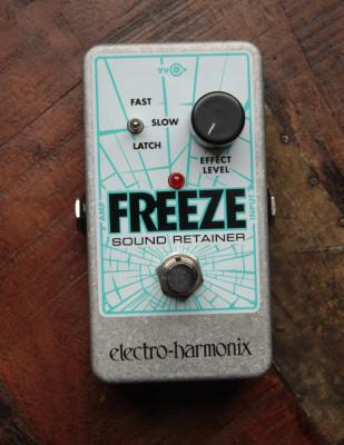Pedal Freeze Electro Harmonix con Adaptador