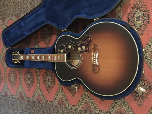 Gibson SJ200 jumbo