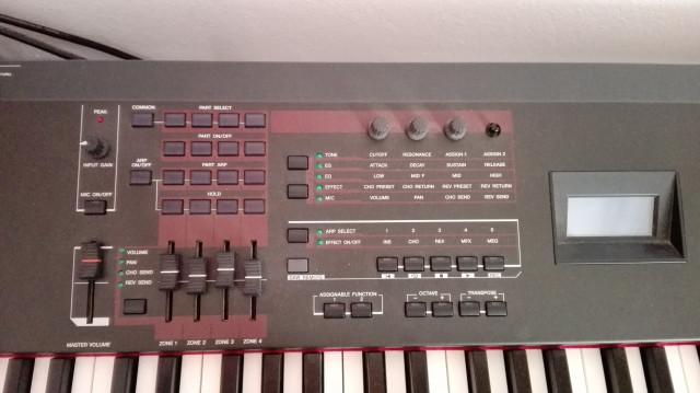 YAMAHA S90 X