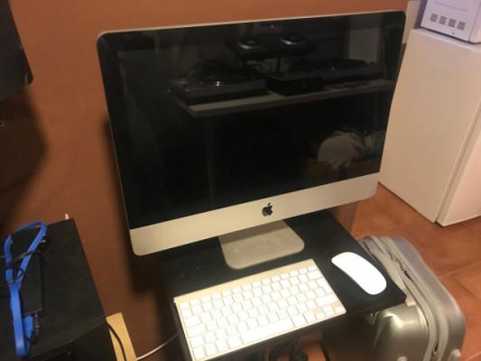 iMac 21.5 inch, Mid 2010. 3,06 Ghz, 12GB 500Gb