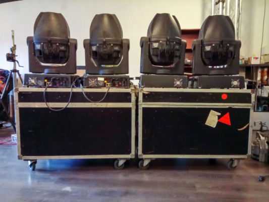 4 CLAY PAKY STAGE  ZOOM 1200 + Flightcase
