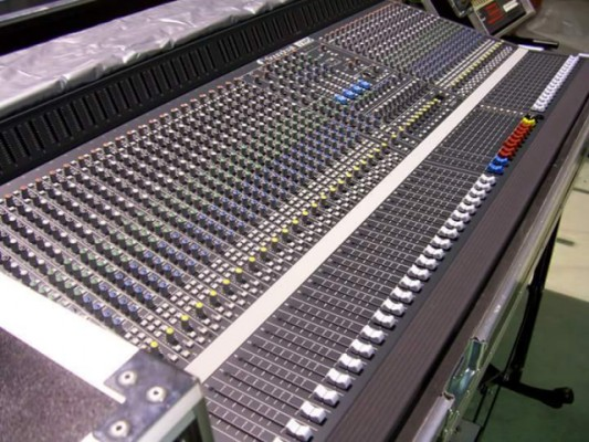 Mesa soundcrafft  40/8 serie TWO, patín y flycase