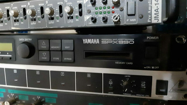 Vendo Yamaha SPX 990