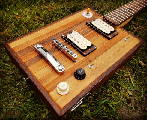 Cigar Box Guitar Loluthier SRV.