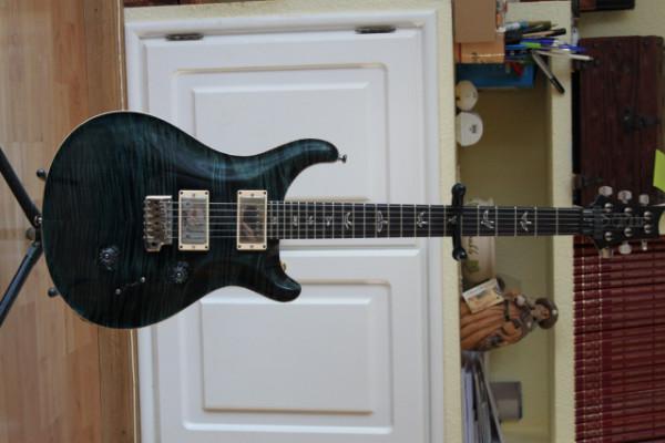 PRS Custom 24 por Caparison Angelus HGS Trans Black