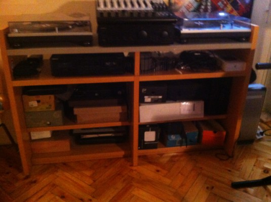 Vendo mueble dj para vinilos y otros en madrid hispasonic - Muebles para dj ...