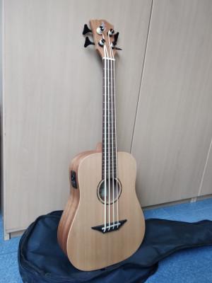 Harley Benton Kahuna CLU-Bass Ukulele (RESERVADO)