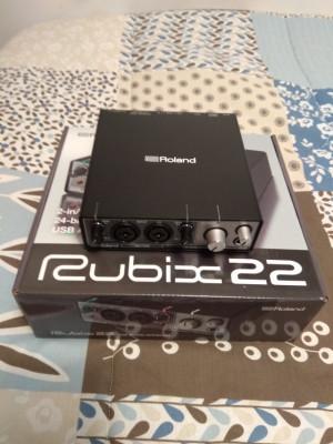 Roland Rubix 22
