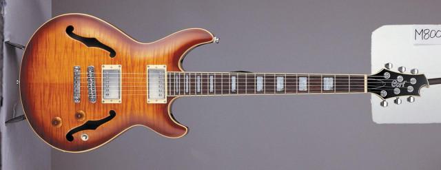 guitarra Cort M900 M-900 o M800 M-800 (semicaja)