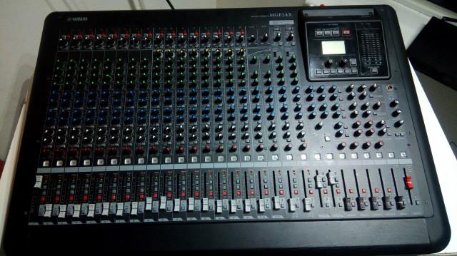 Mesa Yamaha MGP24X semidigital sin uso y alta gama calidad