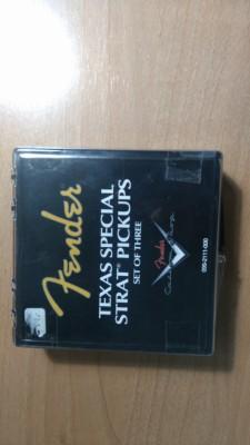 Repuestos Stratocaster (solo queda el golpeador)