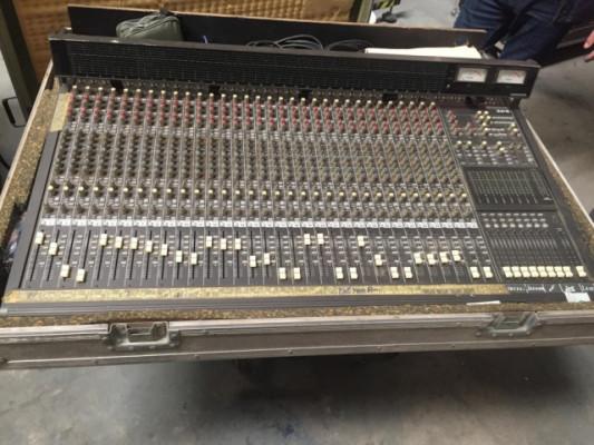 Mesa analógica de estudio grabación Mackie 32.8.2