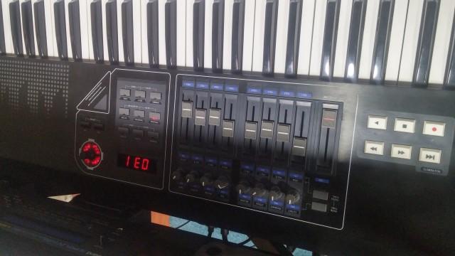 Teclado  controlador CME UF7 76 Teclas