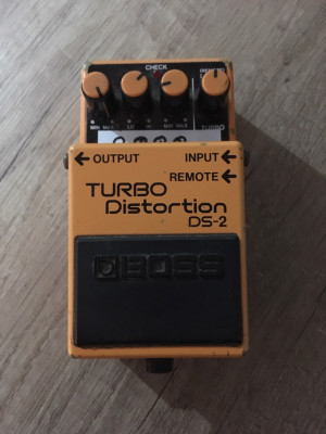 BOSS Turbo Distortion DS2