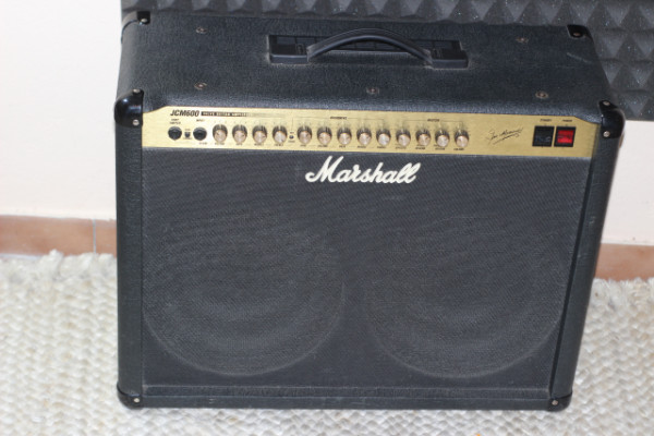 Marshall JCM 600 2x12