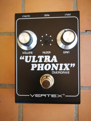 """""""ULTRA PHONIX"""" de VERTEX"""