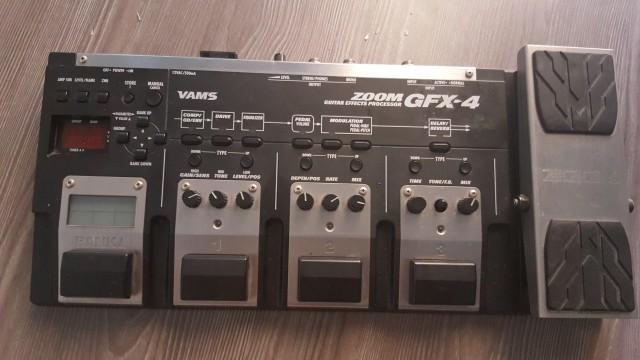 Pedalera de efectos Zoom gfx-4