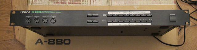 Roland A-880 patchbay midi