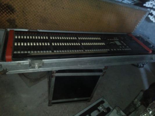 Mesa de luces Omega computer 36 canales