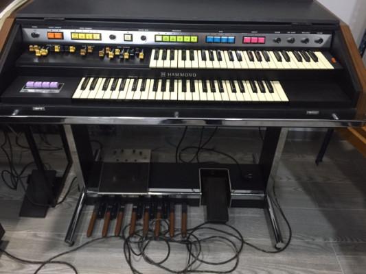 Hammond B-200 de mediados de los 70