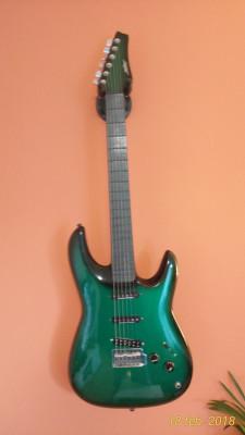 Guitarra Miller alemana de fibra de carbono.