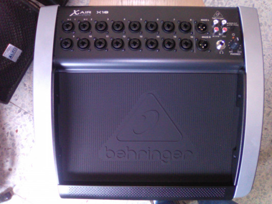 Cambio Behringer X18