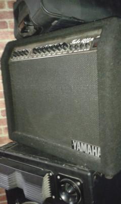 Amplificador de Guitarra Yamaha Tube 1280r