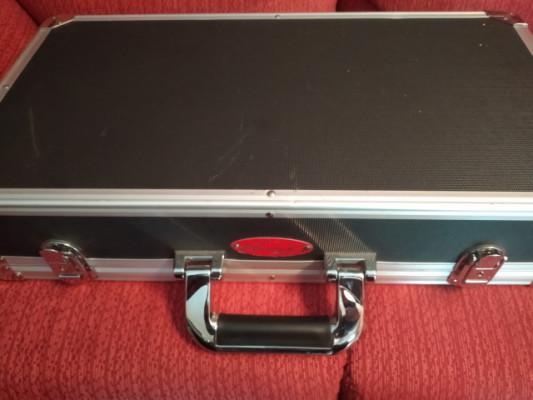 Pedalera/maleta para pedales Stagg