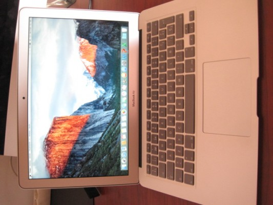 "Macbook Air 13"" de 2015 con 8Gb RAM"