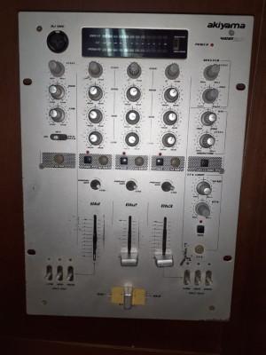 Mesa de mezclas dj akiyama vca 3.0
