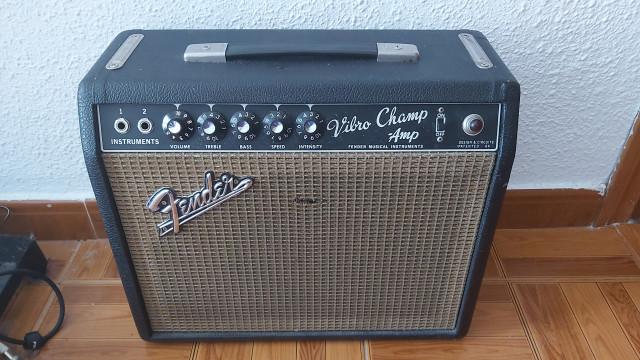 Amplificador de guitarra Fender vibro champ