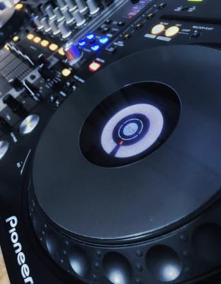 Equipo DJ Pioneer