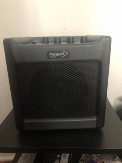 Fender Passport mini (portátil a pilas, entrada micro)