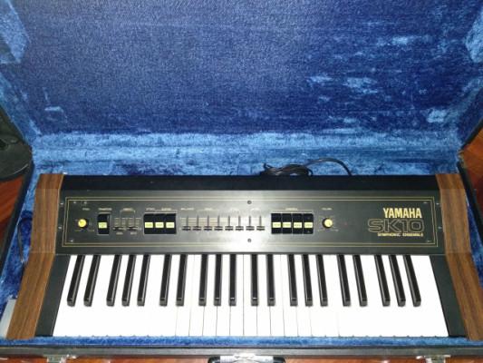 Yamaha sk-10 (string machine) + flycase