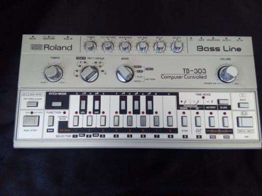 Roland TB - 303 (Original) + Bag + Manual