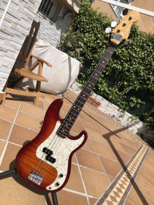 Fender Precision Japan