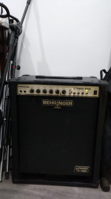 Bheringer Ultrabass BX600 - Cambios dentro
