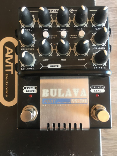 AMT Electronics SS-30 Bulava (preamplificador de 3 canales).