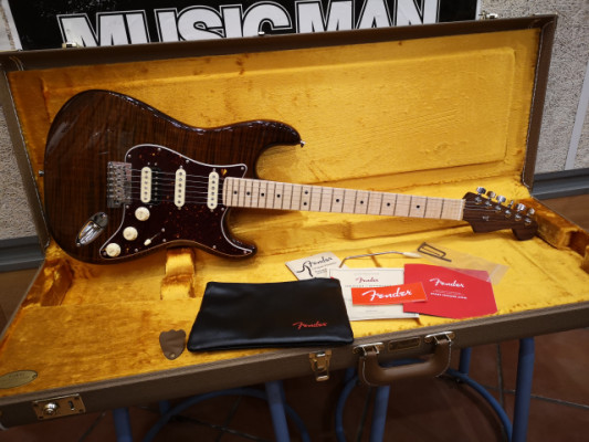 Fender Rarities Flame Maple Top Stratocaster MN GBR.