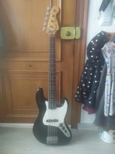 Fender Jazz Bass Standard V.