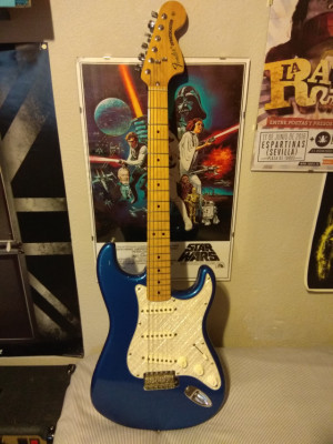 FENDER Classic 70's Series STRATOCASTER (RESERVADA)