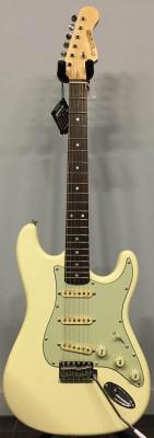 Compro guitarra ENTWISTLE stratocaster